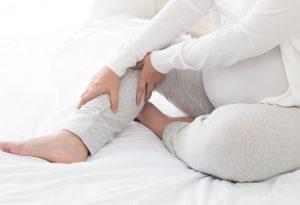 Kram kaki saat hamil