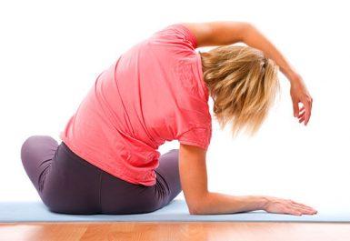 Peregangan perbaiki nyeri punggung dan leher Anda